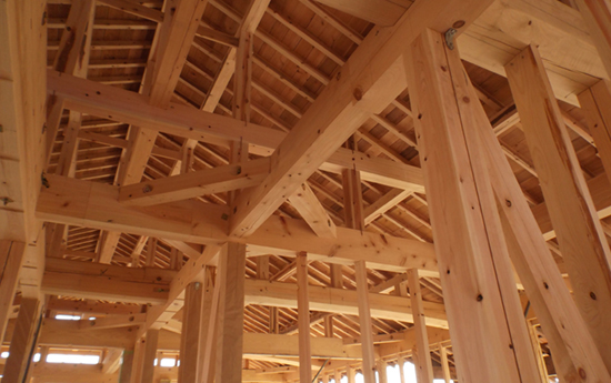 木の特性を活かして耐久性に優れた家